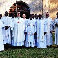Rencontre un prêtre catholique